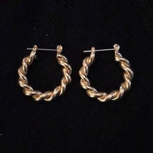 Avon Twist Goldtone Hoop Earring